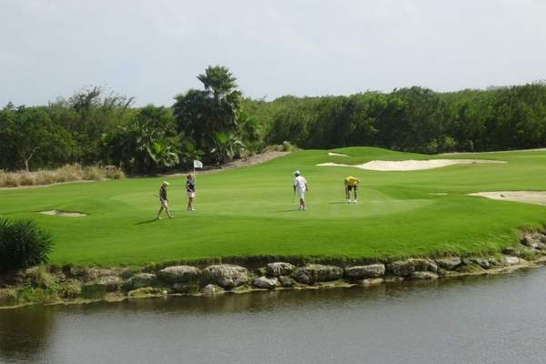 Why choose your next golfing holiday with Chaka Travel?
