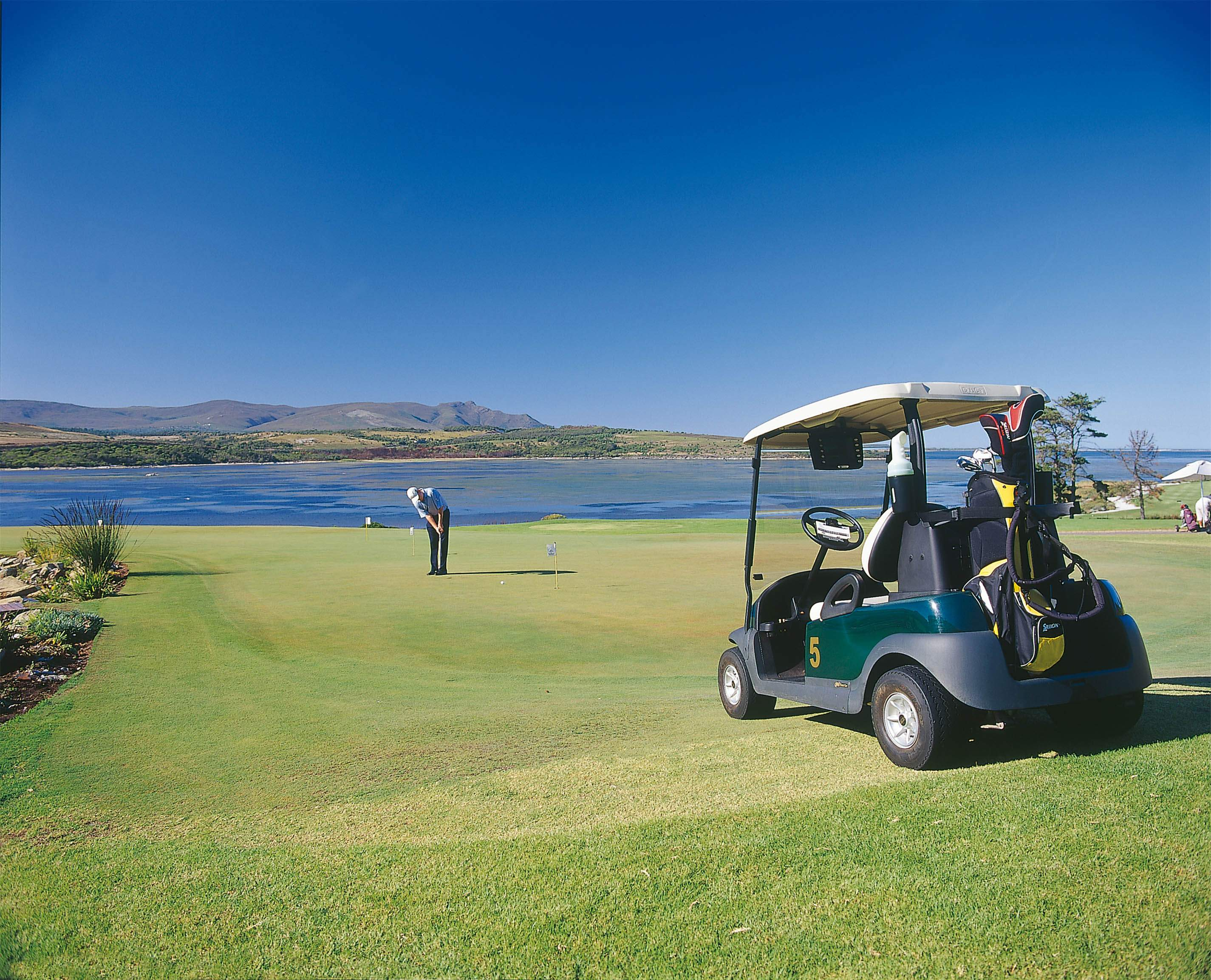 First hand golf course review of Arabella putting green by Chaka Travel