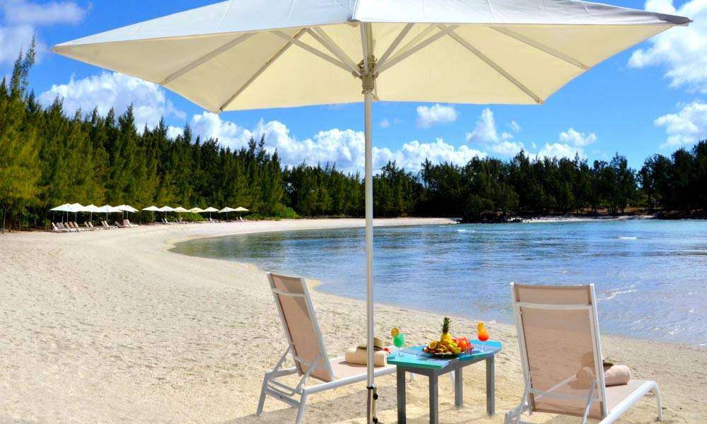 View of the private beach at Ile Aux Cerfs which is reserved for the guests of Four Seasons at Anahita Mauritius.
