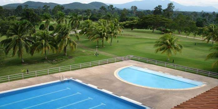 The swimming pool in Gemas Golf Resort