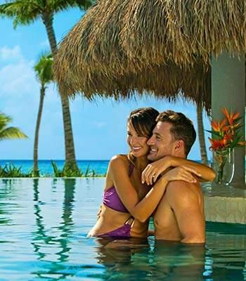 honeymoon-mexico-restaurant-bar-pool