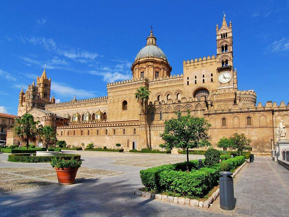 Palermo cathedral, golf holiday in Italy