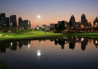 dubai-golf-holidays-emirates-golf-club-by-night