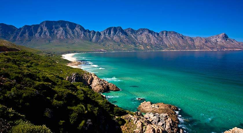 south-africa-golf-holidays-camps-space-bay-cape-town